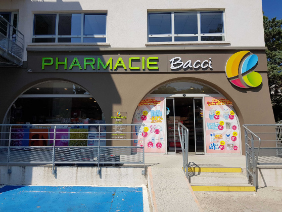 PHARMACIE BACCI MARSEILLE Leds croix FULL HD LED